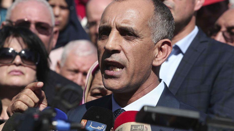 يسعد مبروك يتهم المحاميين بالدجل