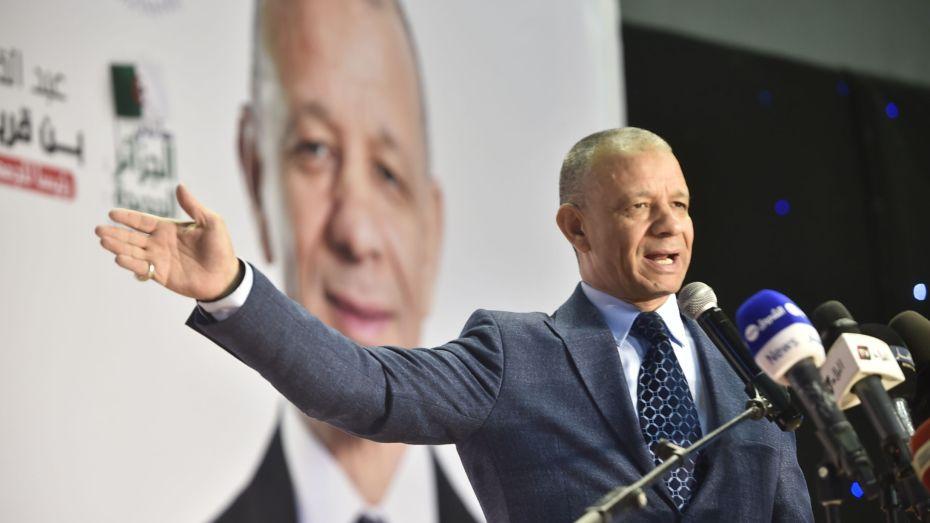 بن قريبة: المنظمات الدولية فرضت تمازيغت على الجزائر