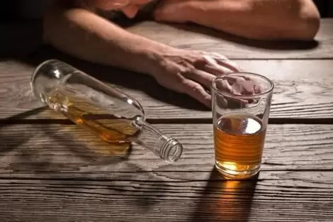 وفاة 6 أشخاص في تيارت بسبب استهلاكهم لمشروبات كحولية فاسدة