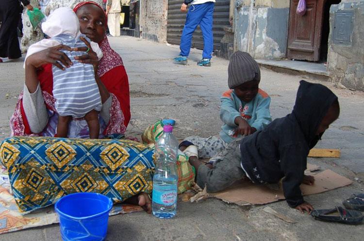 خبير دولي: استقرار المهاجرين غير الشرعيين في الجزائر يهدّد الأمن القومي