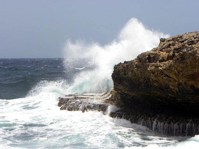 أمطار رعدية في الجنوب ورياح قوية على السواحل