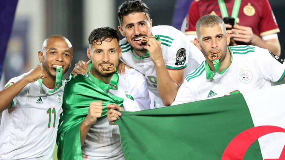 """بلايلي وبراهيمي يُضيفان إنجازا جديدا للاعبي كتيبة """"الخضر"""""""