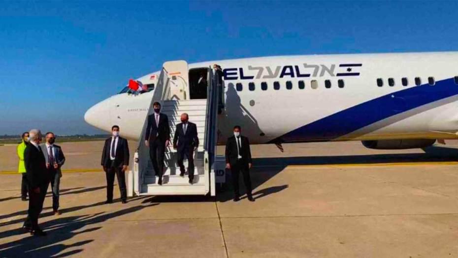 هبوط أول طائرة للاحتلال الإسرائيلي بالرباط