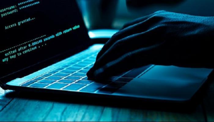 اختراق أكثر من 11 مليون حساب فيسبوكي جزائري