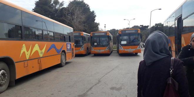 حافلات النقل الجامعي لن تنقل أكثر من 25 طالب