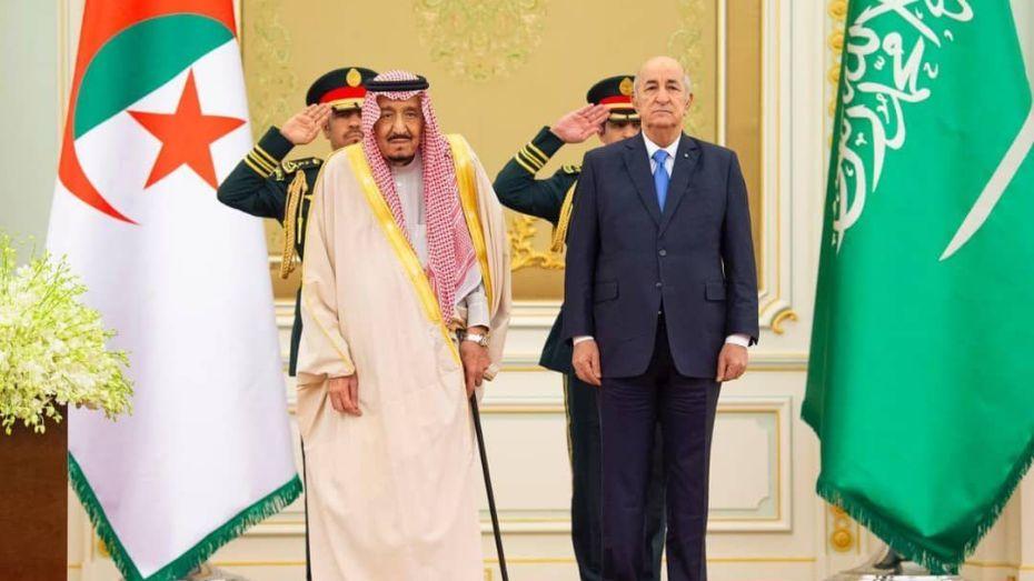 العاهل السعودي وولي عهده يعزّيان الرئيس تبون