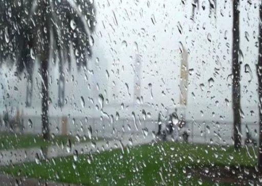 أمطار غزيرة ورياح قوية على عدد من الولايات