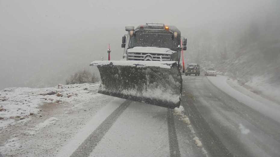 الحماية المدنية تكشف عن الطرق المغلق بسبب الثلوج