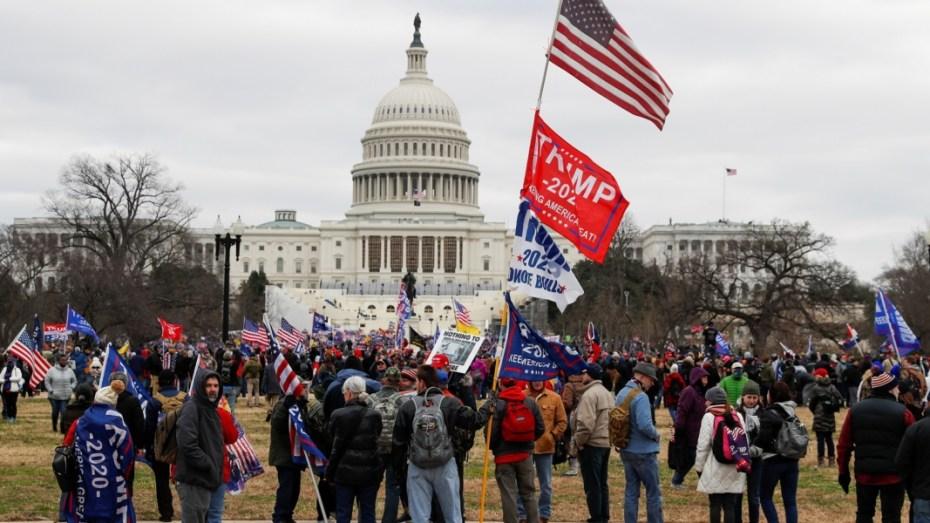 أنصار دونالد ترامب يقتحمون مبنى الكونغرس