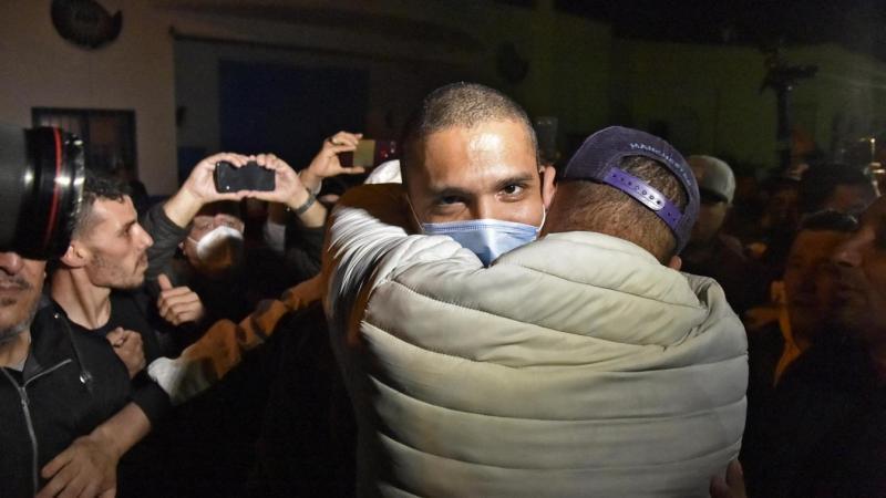 هكذا تفاعل جزائريون مع الإفراج عن المعتقلين