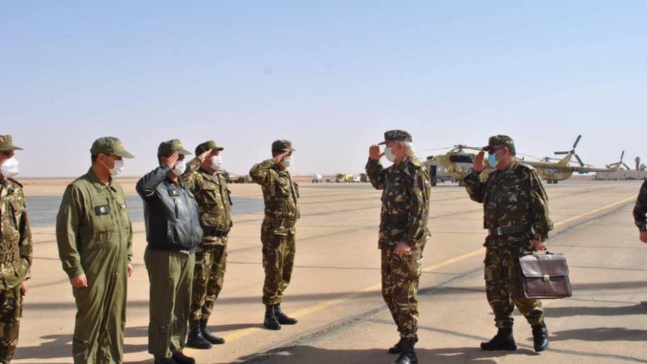قائد القوات الجوية يتفقد الناحية العسكرية الرابعة