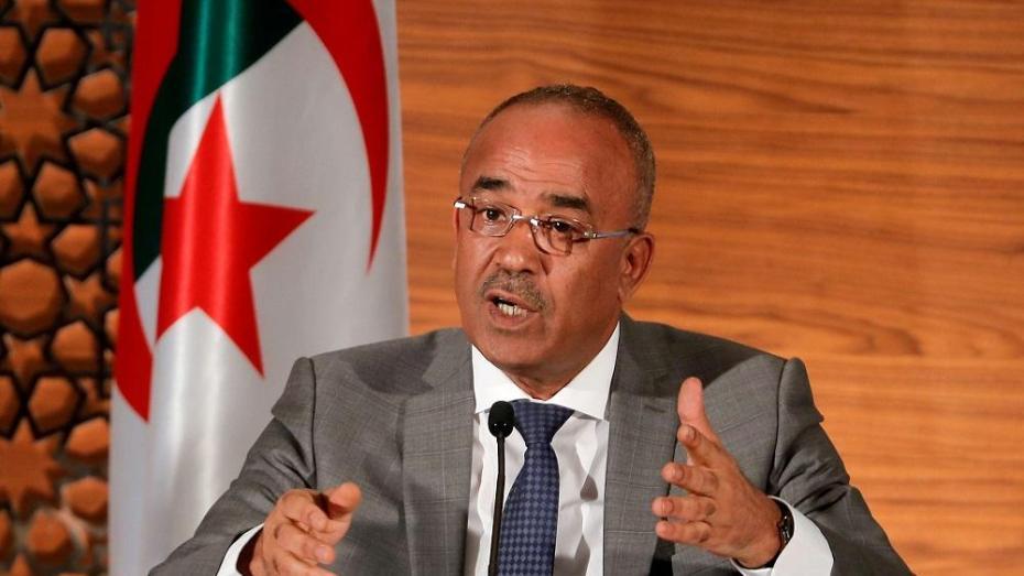 فتح تحقيق قضائي مع الوزير الأول السابق نور الدين بدوي