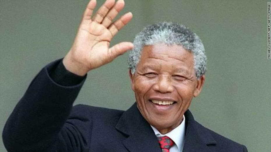 اتّهام شخصيات بارزة بالاحتيال في نفقات جنازة نيلسون مانديلا