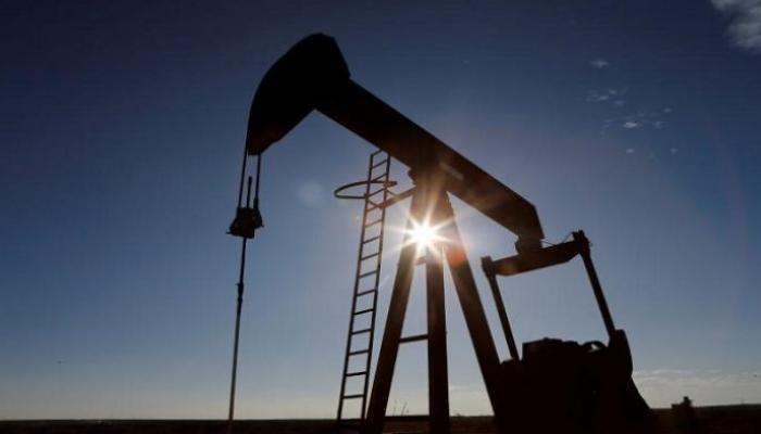 أسعار النفط تلامس عتبة الـ 68 دولارا للبرميل