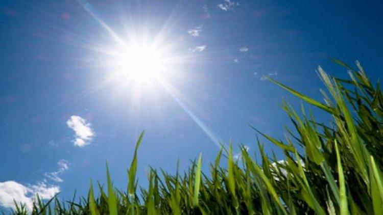درجات حرارة مرتفعة لنهار الجمعة وطقس شبه رعدي بالمناطق الداخلية