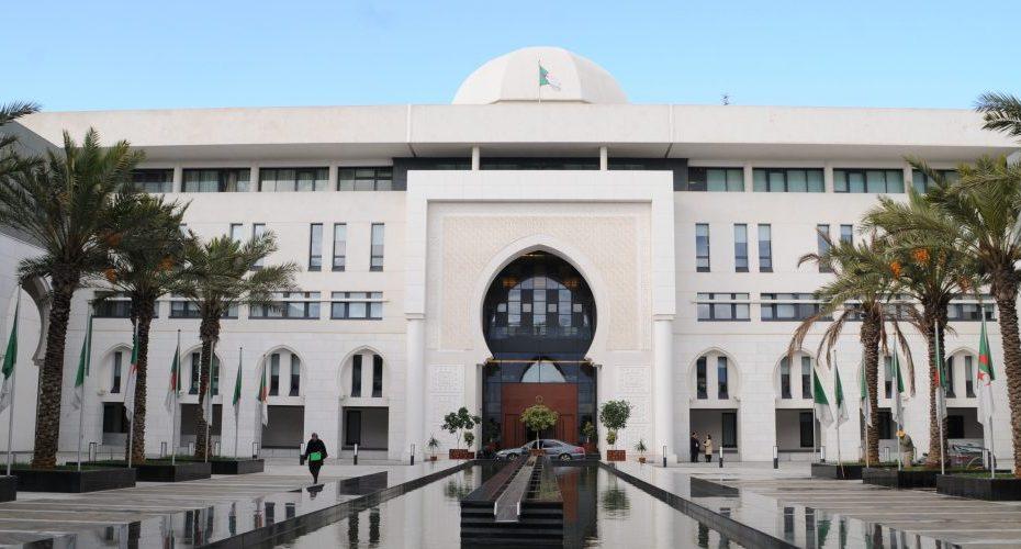الجزائر ترد على مسؤول مغربي وصفها بالبلد العدو