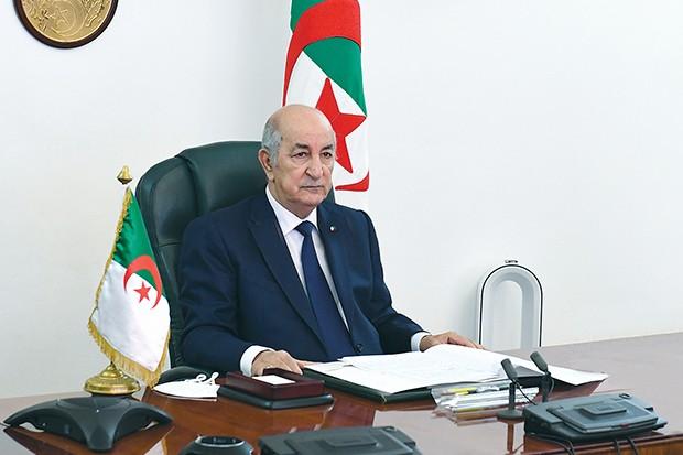 تبون يبعث برسالة تهنئة للطلبة الجزائريين بمناسبة يوم الطالب