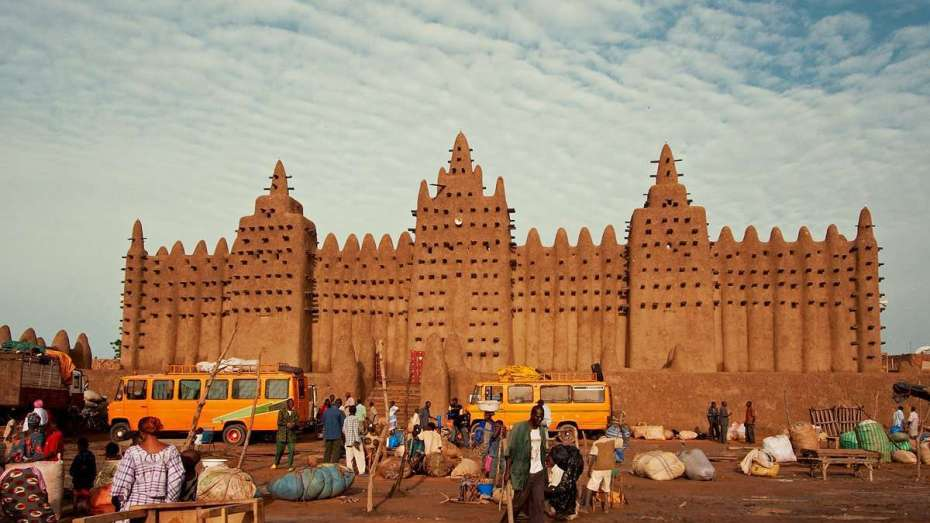 بحضور الأمم المتحدة ودول الاتحاد الإفريقي.. بوقدوم يقدم توصيات تخص الوضع في مالي