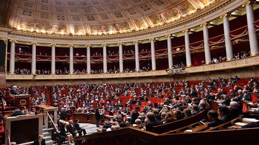 الأوضاع الداخلية في الجزائر تناقش في مجلس الشيوخ الفرنسي!
