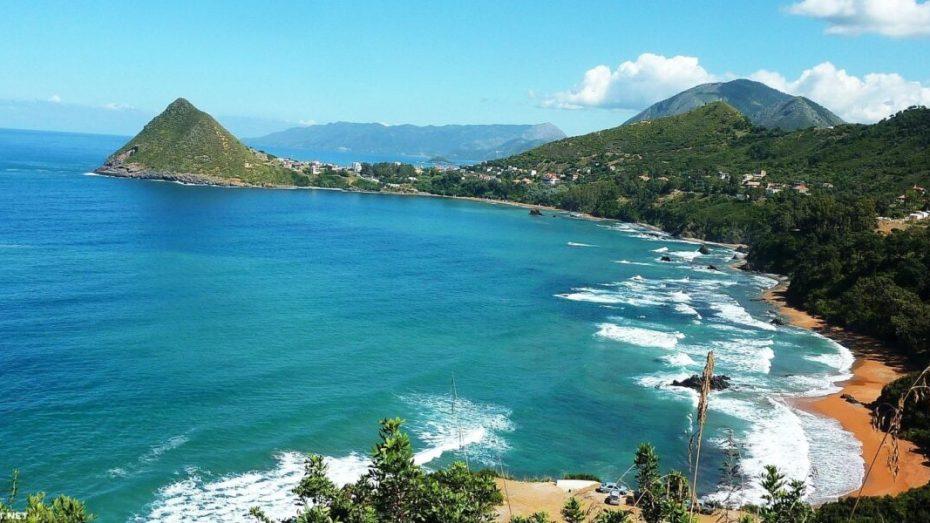 359 شاطئا صالح للسباحة من أصل 596