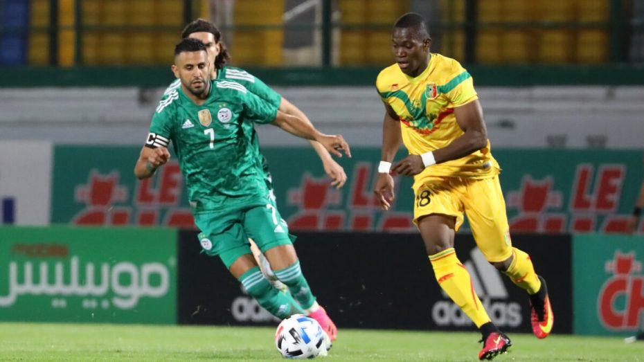 الجزائر تتغلب على مالي وتصل إلى المباراة 26 دون هزيمة