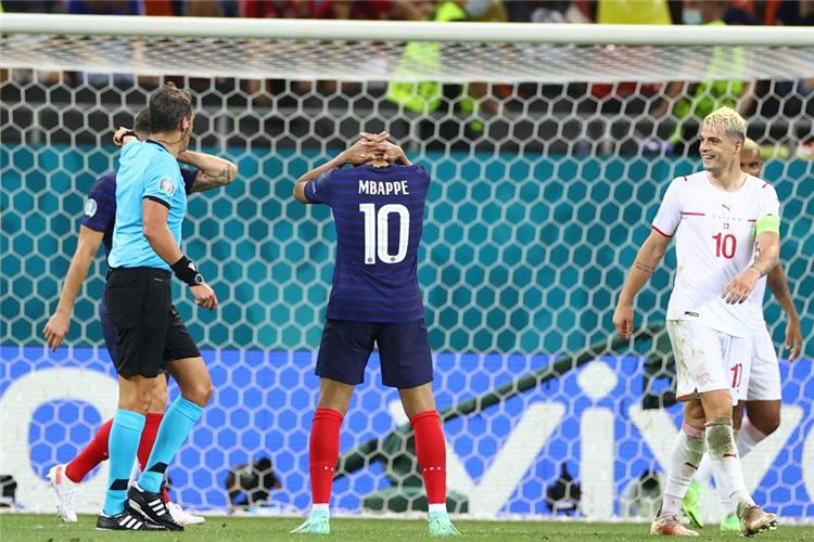 5 حقائق تاريخية عن مباراة سويسرا وفرنسا