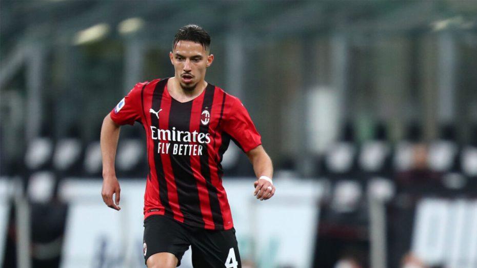بن ناصر يواصل الغياب عن نادي ميلان لأسباب كشفها موقع إيطالي