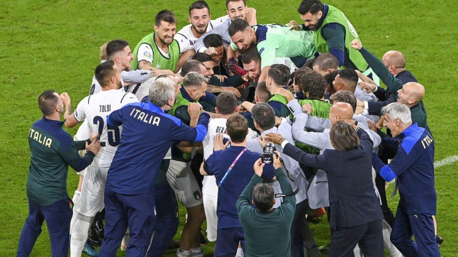 """إيطاليا تتأهل إلى نصف نهائي """"يورو 2020"""""""