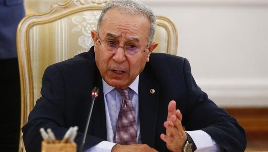 الجزائر تستدعي فورا سفيرها في الرباط للتشاور على خلفية الإساءة المغربية