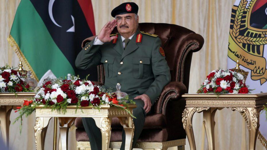 يتحدى الجزائر مجددا.. حفتر يهدّد باجتياح طرابلس
