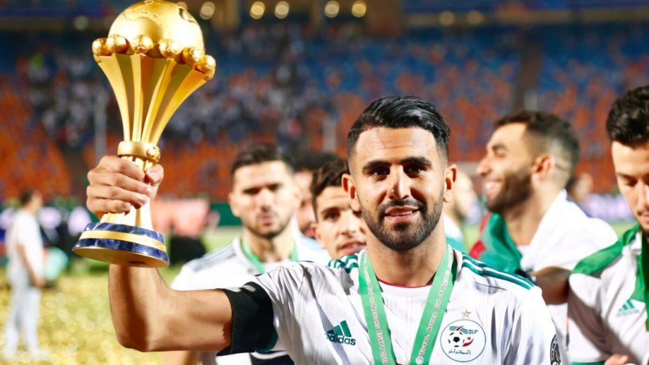 محرز يُعلق بطريقته الخاصة على مخلفات قرعة منافسة كأس أمم إفريقيا
