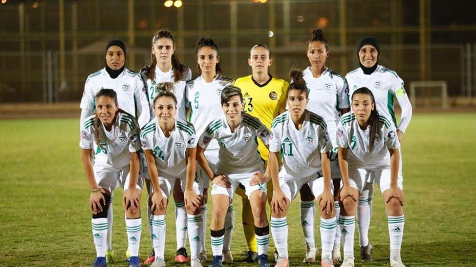 المنتخب الجزائري سيّدات يتلقى إشادة كبيرة بعد بلوغه المربع الذهبي