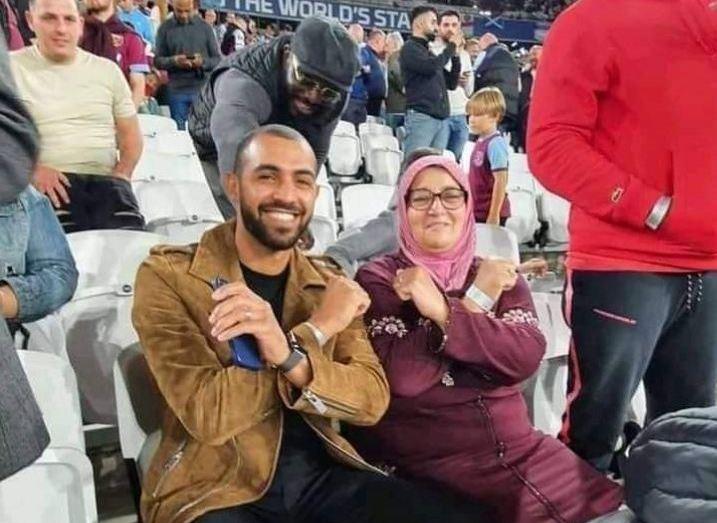 """بالفيدبو.. والدة سعيد بن رحمة بطلة قصة """"جميلة"""" في مدرجات ملعب لندن الأولمبي"""