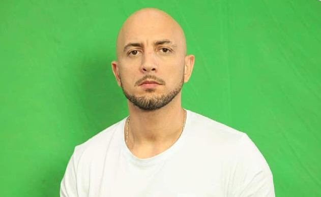 الإعلامي محمد شلوش يكشف أسباب وفاة ابنه الصحافي غرقا في البحر