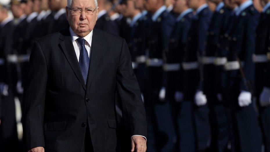 """تخوف أم تعفف.. عبد القادر بن صالح """"لم يرغب أبدا في تولي المسؤولية"""""""