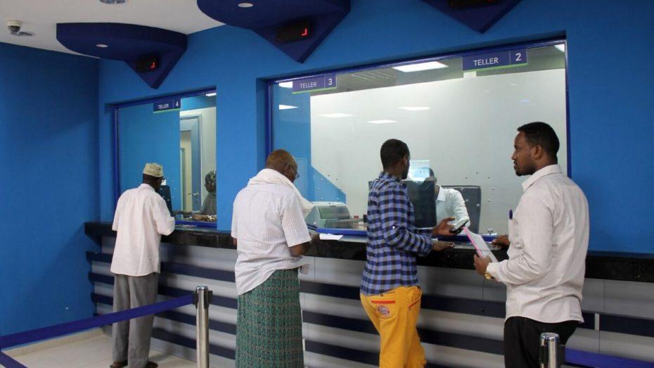 الصومال على أعتاب أن يصبح أول بلد غير نقدي في العالم