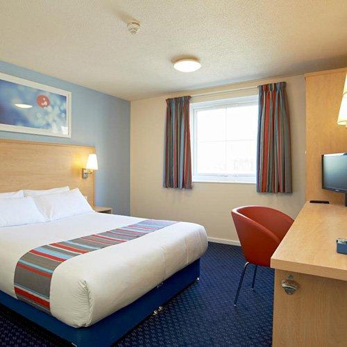 travelodge-docklands-room