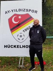 Salah Saado E1 Trainer hier sehr glücklich