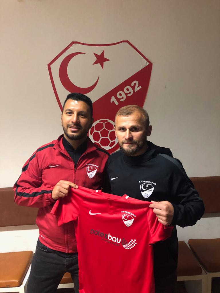 Orhan Özkaya verlängert bei Ay-Yildizspor