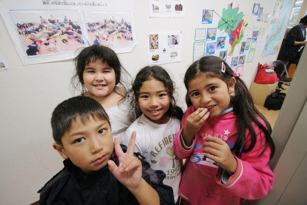 【海外】「安倍さんありがとう!」日本政府の10万円の給付は「外国人も対象に含める方向」に日本に住む外国人たちも大歓喜!