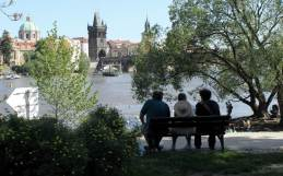 RadkaZimovaKing_ViewOver_Vltava_CharlesBridge