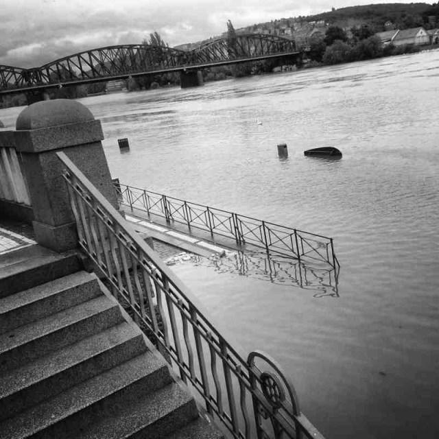 RadkaZimovaK_StairsTo_Vltava_riverbank_flooding