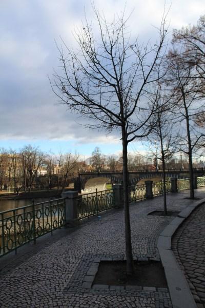 Leaving Kampa park, view of Legii bridge
