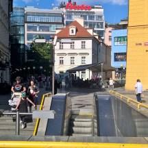 PragueMetroStationMustekby_RadkaZimovaKing2016