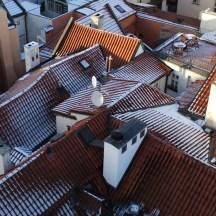 Prague_redroofs_inwinter_insnow_2
