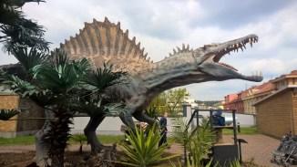 DinoParkHarfa_hugedinosaur_Praguewithkids