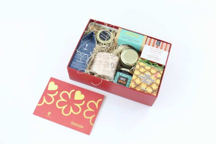 try-the-world-holiday-box-review-november-2016-3