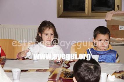 Ludoteca_2015-Taller_de_chocolate-Galerias-Ayuntamiento-de-Ayegui (46)