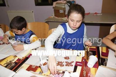 Ludoteca_2015-Taller_de_chocolate-Galerias-Ayuntamiento-de-Ayegui (68)