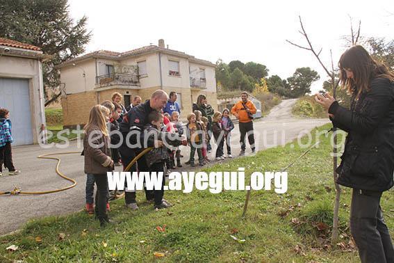 Ludoteca_2015-Visita_al_parque_de_bomberos-Galerias-Ayuntamiento-de-Ayegui (21)